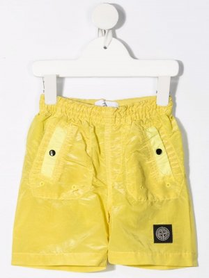 Плавки-шорты с нашивкой-логотипом Stone Island Junior. Цвет: желтый
