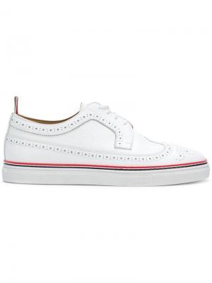 Броги на шнуровке Thom Browne. Цвет: белый
