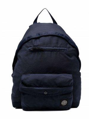 Рюкзак с нашивкой-логотипом Stone Island Junior. Цвет: синий