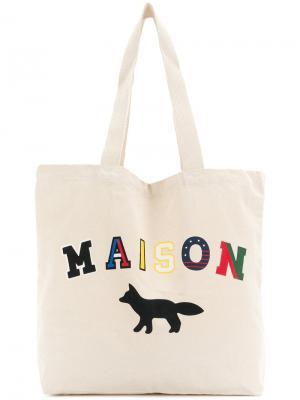 Сумка-тоут с принтом логотипа Maison Kitsuné. Цвет: телесный