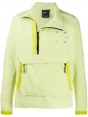 Спортивная куртка Tech Pack Nike. Цвет: зеленый