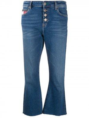 Укороченные джинсы с пуговицами Tommy Jeans. Цвет: синий