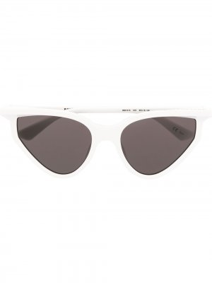 Солнцезащитные очки в оправе кошачий глаз Balenciaga Eyewear. Цвет: белый