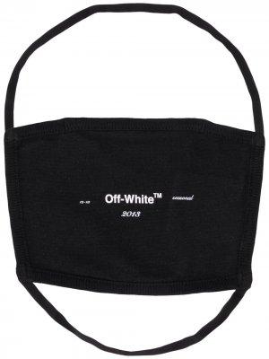 Маска для лица с логотипом Off-White. Цвет: черный