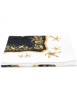 Пляжное полотенце с принтом Versace. Цвет: белый