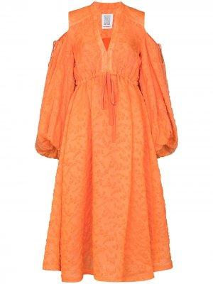 Платье с открытыми плечами и пышными рукавами Rosie Assoulin. Цвет: оранжевый