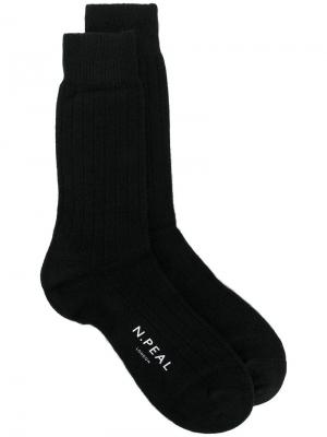 Носки ребристой вязки N.Peal. Цвет: черный