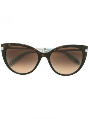 Массивные солнцезащитные очки в оправе кошачий глаз Tiffany & Co.. Цвет: коричневый