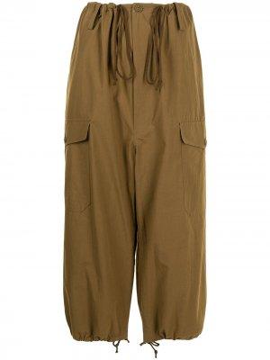 Ys укороченные брюки карго Y's. Цвет: коричневый