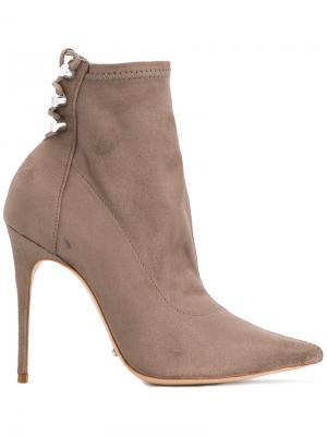 Ботинки с заостренным носком Schutz. Цвет: телесный