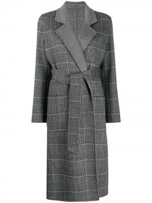 Пальто в клетку с поясом Liska. Цвет: серый