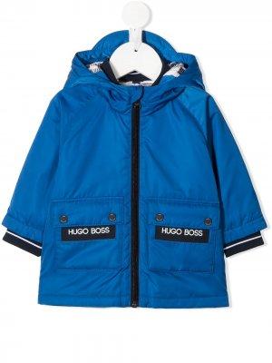 Пуховик с логотипом BOSS Kidswear. Цвет: синий
