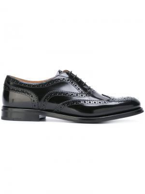 Классические туфли броги Church's. Цвет: черный