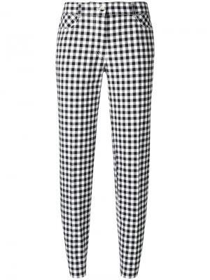 Узкие укороченные клетчатые брюки Blumarine. Цвет: черный