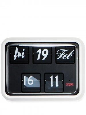 Настенные часы Font среднего размера Established & Sons. Цвет: черный