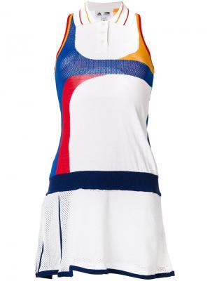Теннисное платье колор блок Adidas. Цвет: белый