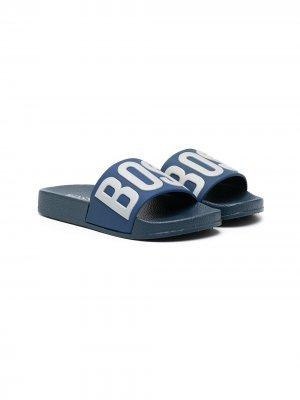 Шлепанцы с тисненым логотипом BOSS Kidswear. Цвет: синий