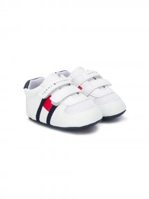 Пинетки на липучках Tommy Hilfiger Junior. Цвет: белый
