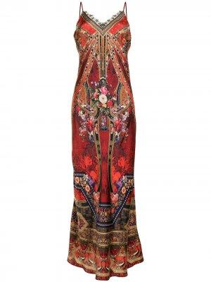 Платье-комбинация макси с графичным принтом Camilla. Цвет: красный