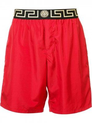 Пляжные шорты Iconic Greca Medusa Versace. Цвет: красный