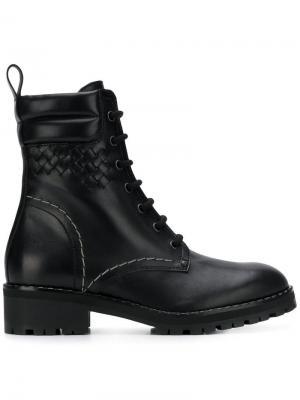 Ботинки с фирменным плетением intrecciato Bottega Veneta. Цвет: черный