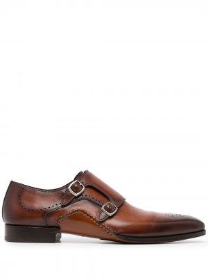 Туфли монки с брогированием и заостренным носком Magnanni. Цвет: красный