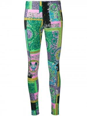 Легинсы с принтом Versace. Цвет: зеленый