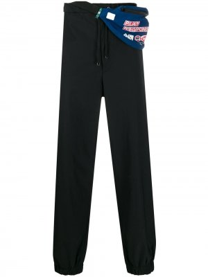 Спортивные брюки с сумкой на поясе Maison Mihara Yasuhiro. Цвет: черный