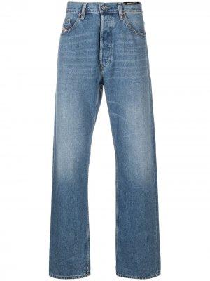 Широкие джинсы с эффектом потертости Diesel. Цвет: синий