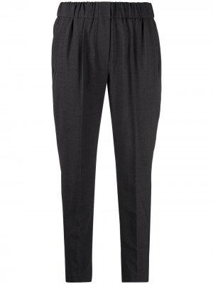 Зауженные брюки строгого кроя Brunello Cucinelli. Цвет: серый