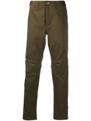 Зауженные брюки с завышенной талией Maharishi. Цвет: зеленый