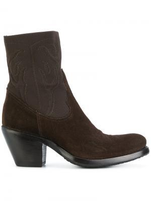 Ботинки на каблуке в стиле вестерн Rocco P.. Цвет: коричневый