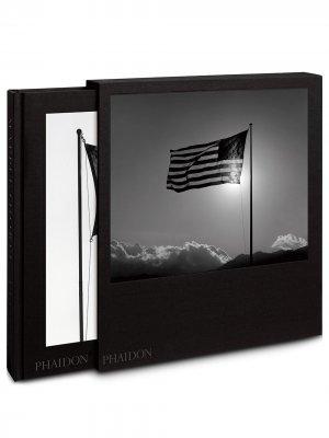 Книга Robert Mapplethorpe Phaidon Press. Цвет: черный