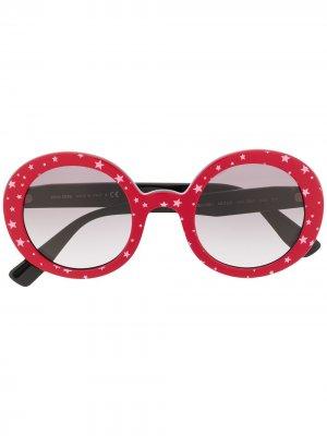 Солнцезащитные очки в круглой оправе с принтом Miu Eyewear. Цвет: красный