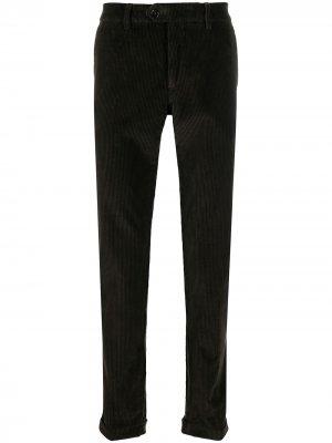 Вельветовые брюки кроя слим Seventy. Цвет: зеленый