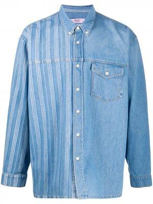 Джинсовая рубашка со вставкой в полоску Martine Rose. Цвет: синий