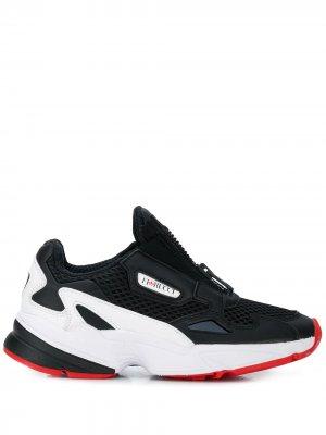 Кроссовки Falcon Zip adidas. Цвет: черный