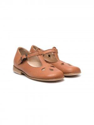 Туфли с вырезами Pèpè. Цвет: коричневый