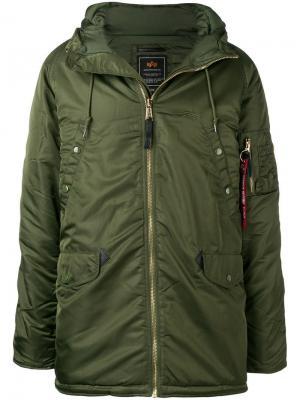 Пальто с капюшоном и застежкой на молнию Alpha Industries. Цвет: зеленый
