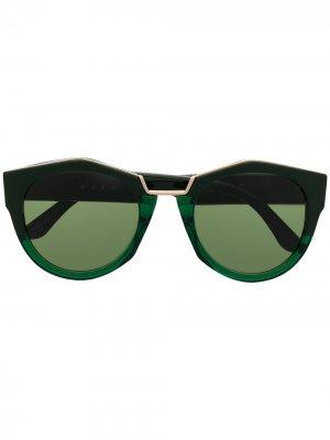 Солнцезащитные очки Edge в массивной оправе Marni Eyewear. Цвет: зеленый