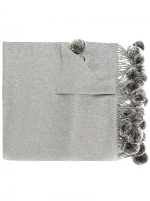 Шаль тканого дизайна с помпонами N.Peal. Цвет: серый