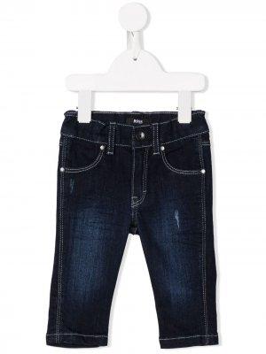 Джинсы кроя слим BOSS Kidswear. Цвет: синий