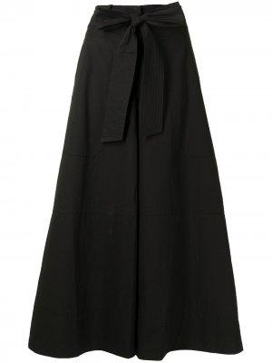 Укороченные расклешенные брюки May Lee Mathews. Цвет: черный