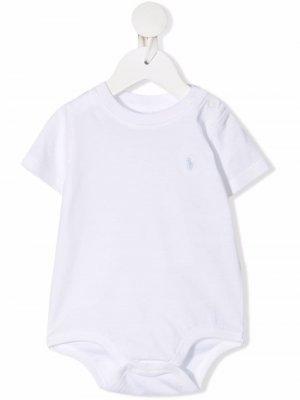 Ромпер с короткими рукавами и вышитым логотипом Ralph Lauren Kids. Цвет: белый