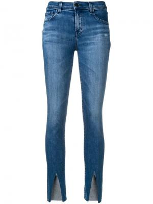 Укороченные облегающие джинсы J Brand. Цвет: синий