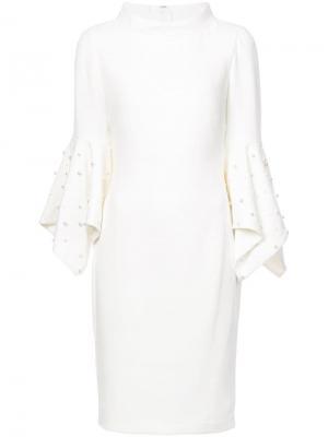 Коктейльное платье с жемчугом на рукавах Badgley Mischka. Цвет: белый