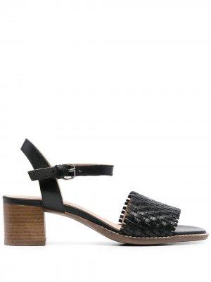 Босоножки на блочном каблуке Geox. Цвет: черный