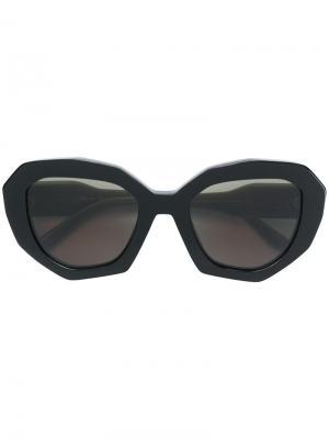 Солнцезащитные очки в массивной оправе Marni Eyewear. Цвет: черный