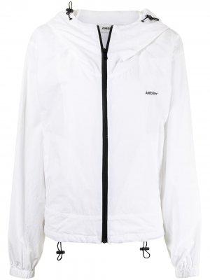 Куртка на молнии с капюшоном AMBUSH. Цвет: белый