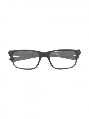 Очки в квадратной оправе Oakley. Цвет: 08 черный
